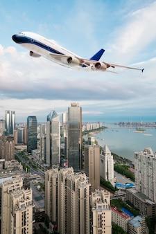 Lage hoekmening van jet verkeersvliegtuig opstijgen