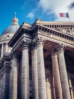Lage hoekopname van pantheon, parijs, frankrijk