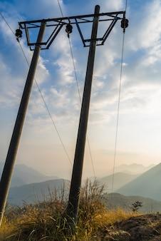 Lagehoek uitzicht van telegraafpalen