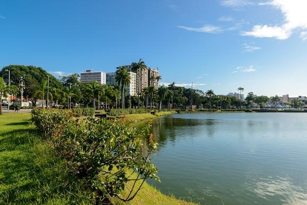 Lagune van solon de lucena park, joao pessoa, paraiba, brazilië op 25 juni 2021.