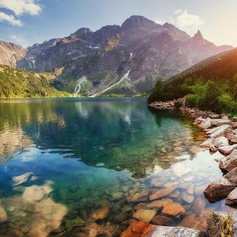 Lake hoog in de tatra sea eye. polen
