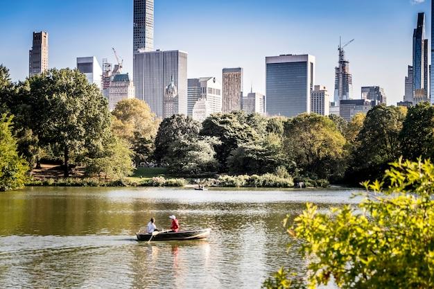 Lake in central park, new york, verenigde staten