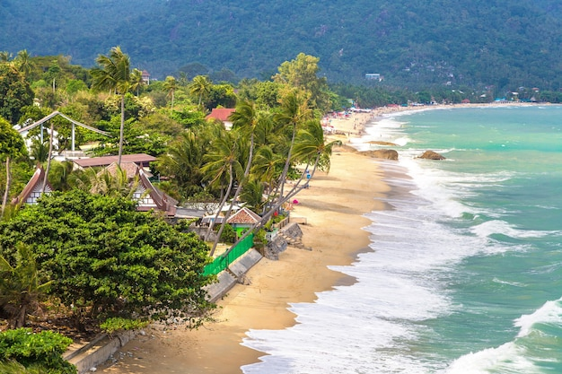 Lamai beach op het eiland koh samui, thailand