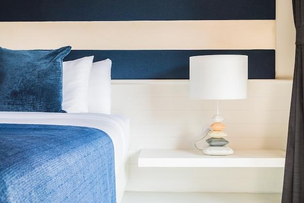 Lamp in slaapkamer