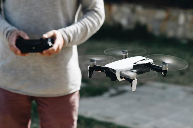 Lanceer en bekijk quadrocopter, drone