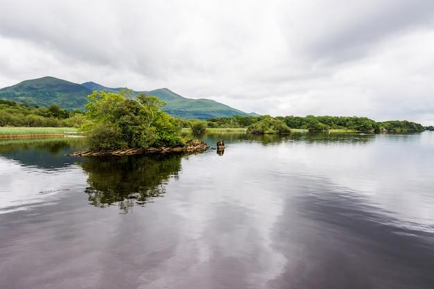 Landascapes van ierland. nationaal park killarney