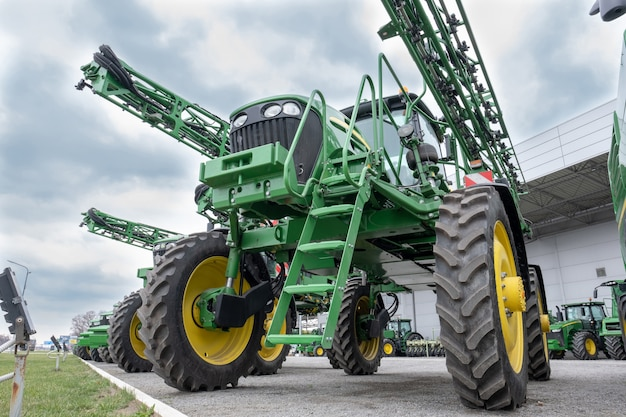 Landbouw oogstmachines combineren.