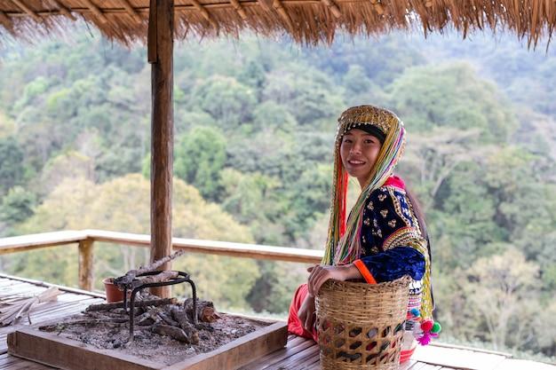 Landbouw van vrouwen in de heuvels