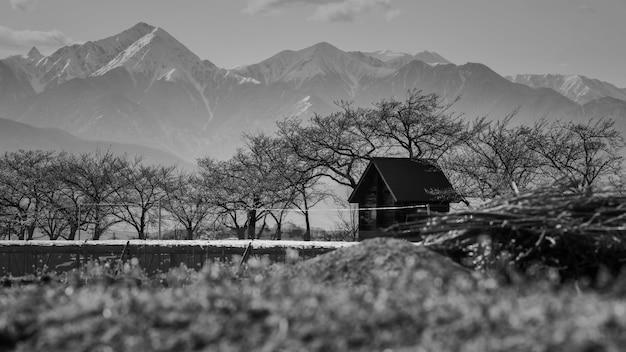Landbouwershuis en centrale alpen, matsumoto