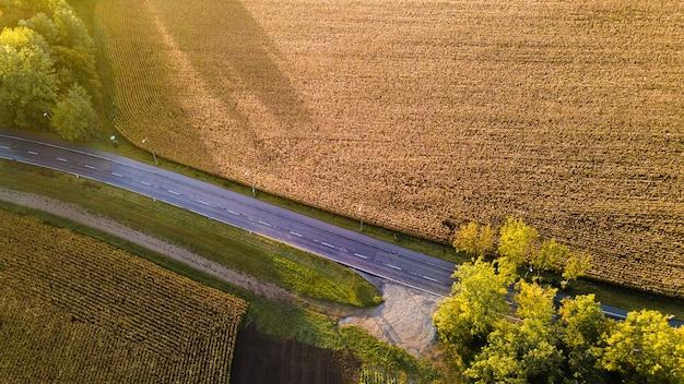 Landelijk de herfstlandschap van hierboven