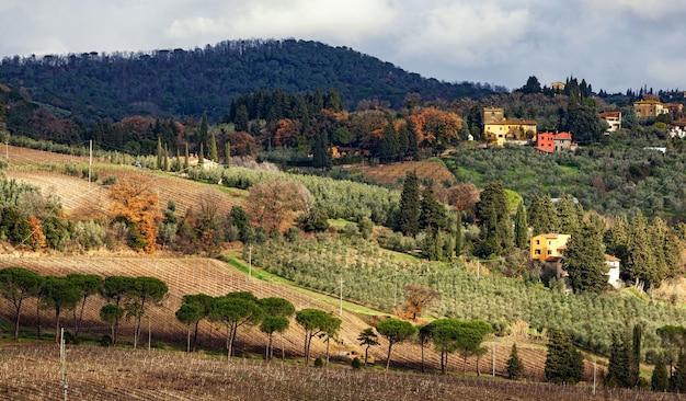 Landelijk landschap van heuvels van toscane