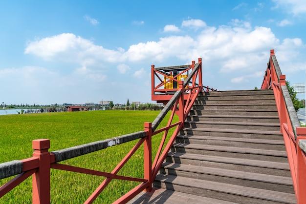 Landelijk uitkijkplatform voor tuinhout