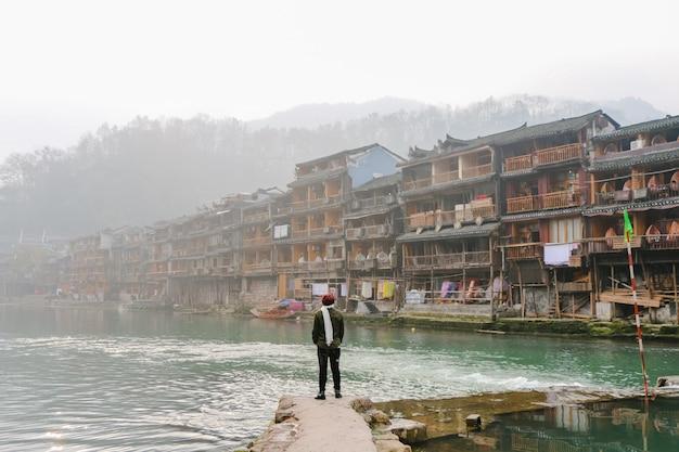 Landelijke provincie toeristische bestemming boot