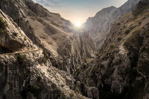 Landschap van de cares-route in picos de europa.