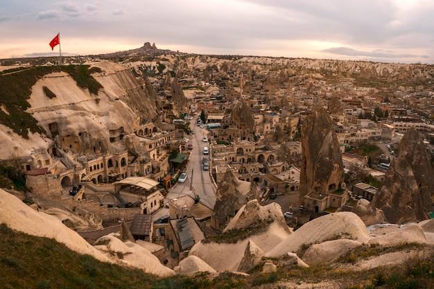 Landschap van goreme-het punt van de zonsondergangmening. cappadocia. nevsehir province. turkije.