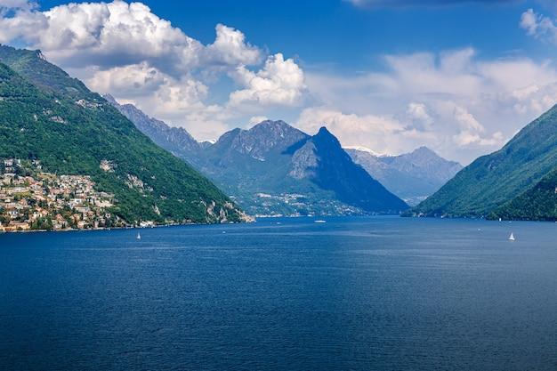Landschap van het meer van luzern, kanton luzern, zwitserland
