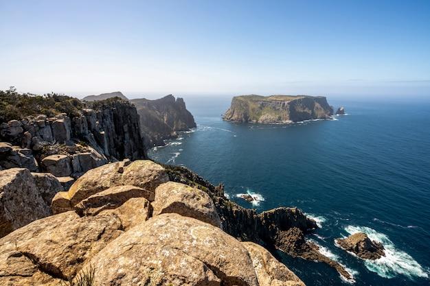 Landschap van het schiereiland tasman, tasmanië, australië