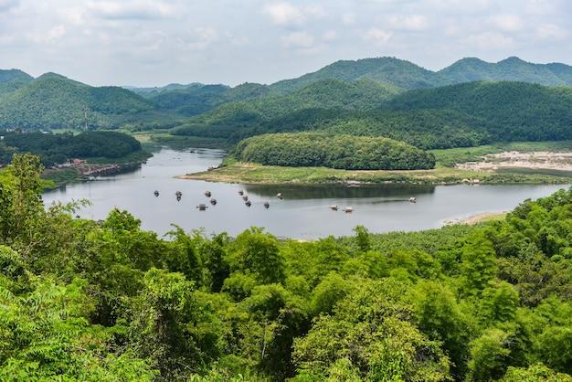 Landschap van rivierberg