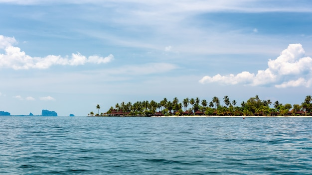 Landschap van tropisch eiland, koh muk, trang, thailand
