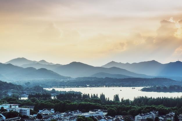 Landschap van west lake in hangzhou