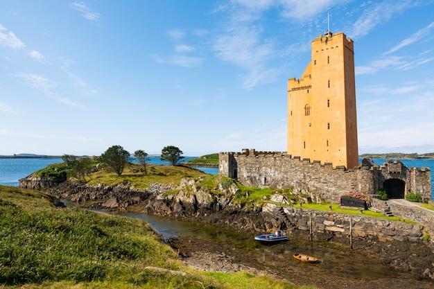 Landschappen van ierland. kilcoe castle