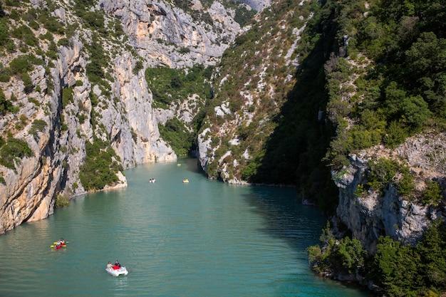 Landschapsopname van de gorges du verdon in frankrijk