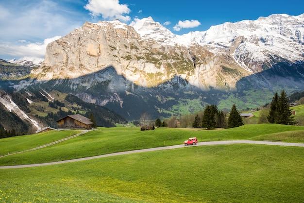 Landschapsscène van eerste tot grindelwald, bernese oberland, zwitserland
