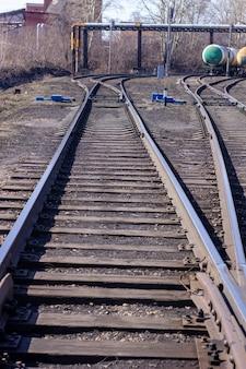Lange rails close - up. spoorweg