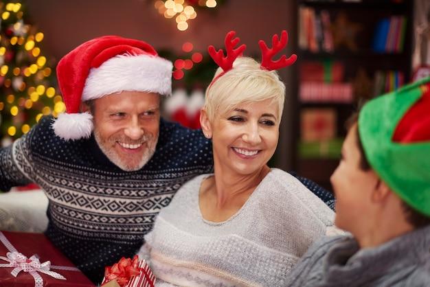 Lange uren conversatie tijdens de kerst