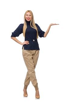 Lange vrouw in blauwe die trui op wit wordt geïsoleerd