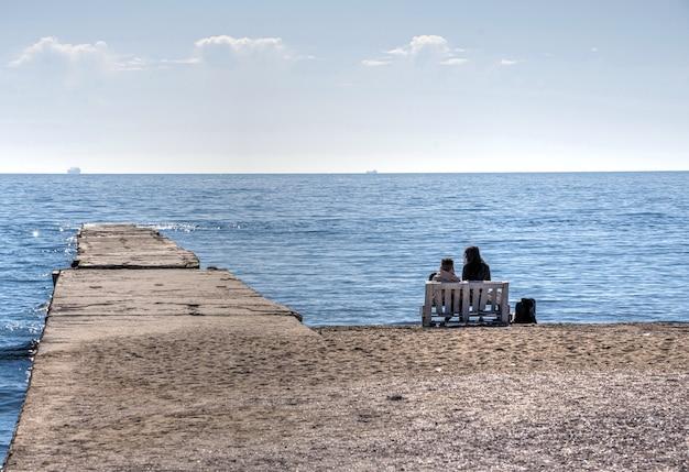 Langeron beach in odessa, oekraïne, in de lente