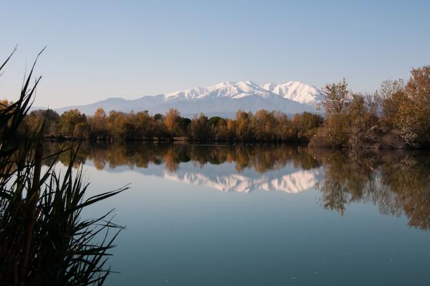 Languedoc color capped meren kleuren berg