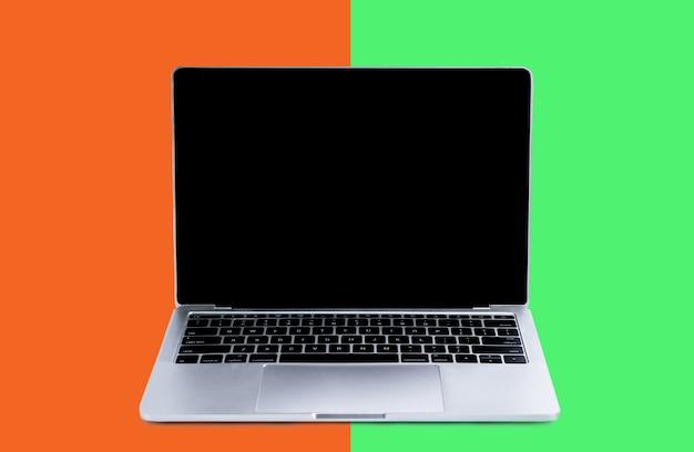 Laptop en mock-up scherm op kleur Premium Foto