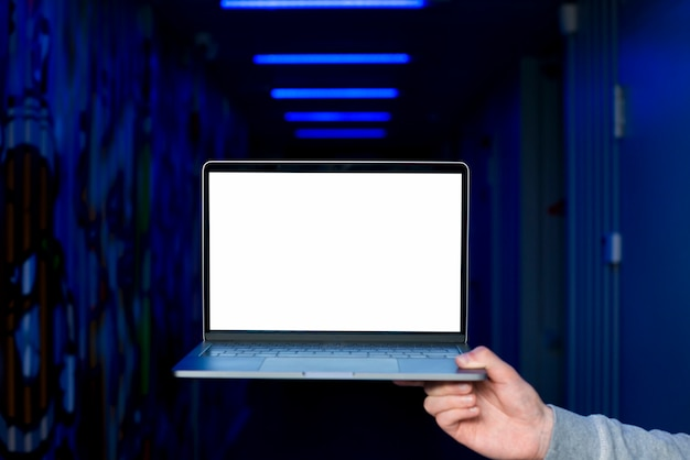 Laptop scherm sjabloon met hacking concept