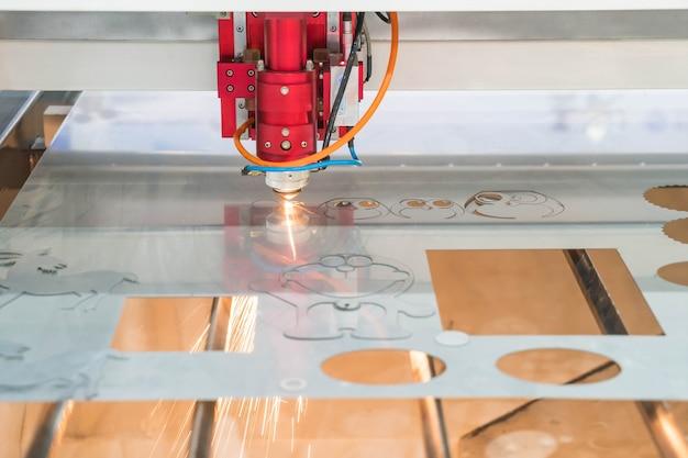 Laser snijmachine