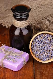 Lavendel bloemen en pot