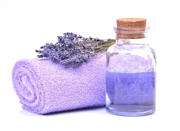 Lavendel samenstelling geïsoleerd op wit