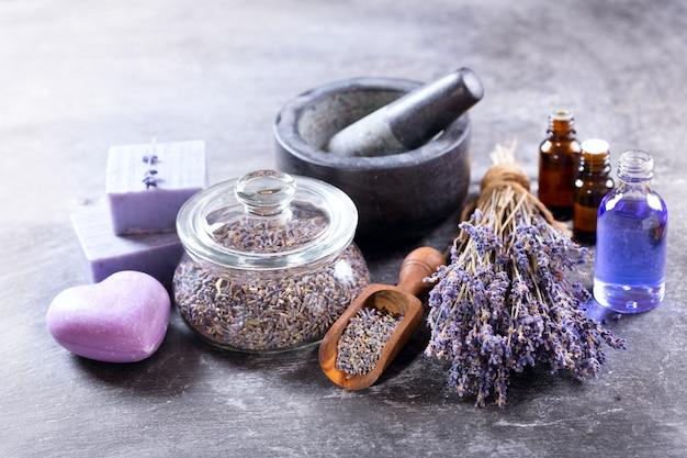Lavender spa-producten op dark