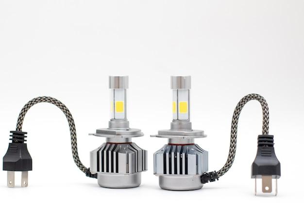 Led-lampen h4 voor autolamp geïsoleerd