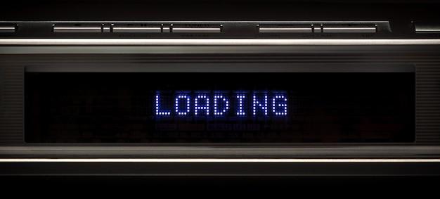 Led-paneel aan de voorkant van multimediaspeler