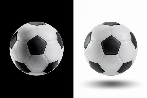 Lederen voetbal isoleren op zwart-wit
