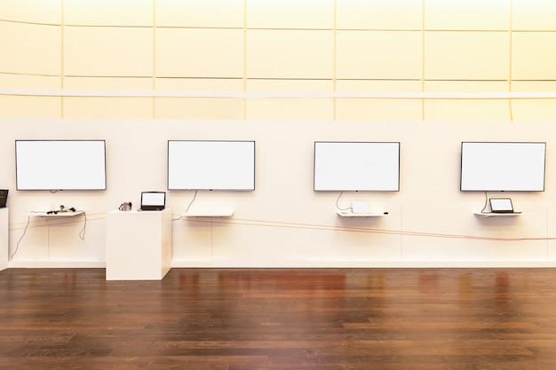 Leeg display met laptops bij het evenement