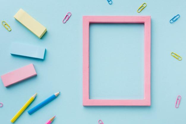 Leeg frame en potloden