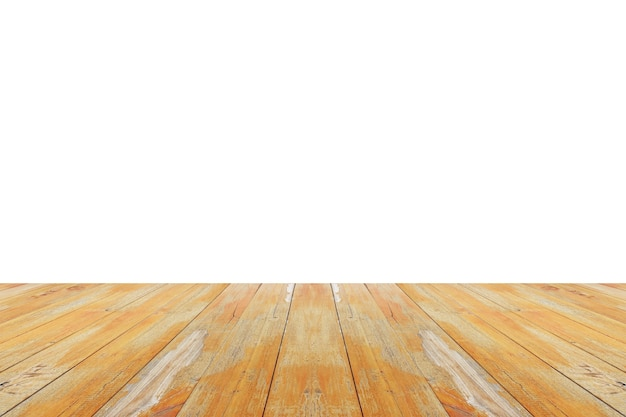 Leeg houten tafelblad dat op witte achtergrond voor de montage van de productvertoning wordt geïsoleerd