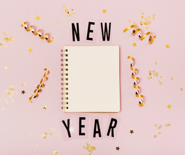 Leeg kladblok nieuwjaar met kopie ruimte