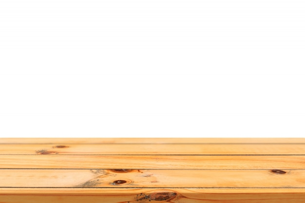 Leeg licht houten bord tafelblad geã¯soleerd op een witte achtergrond. perspectief bruin houten tafel geã¯soleerd op de achtergrond - kan gebruikt worden om op te lossen voor het weergeven of montage van uw producten of ontwerp visuele lay-out.