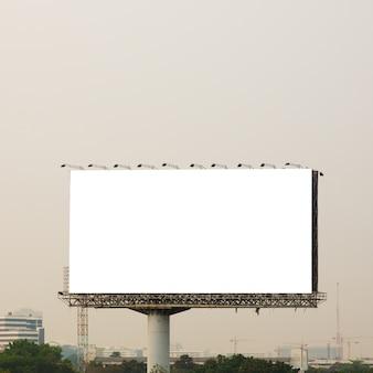 Leeg reclamebord voor nieuwe advertentie