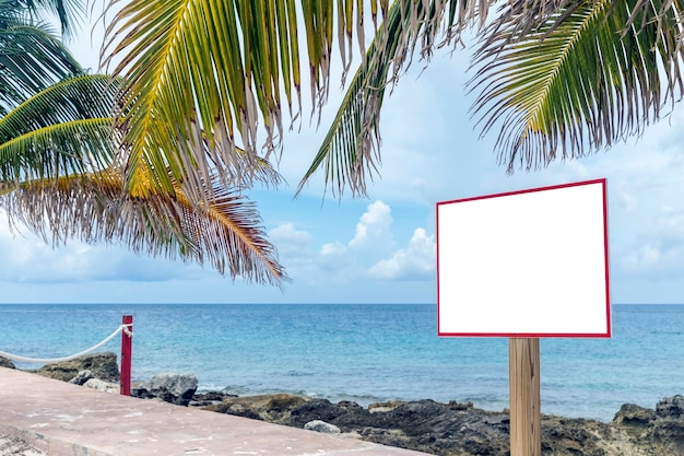 Leeg teken op strand