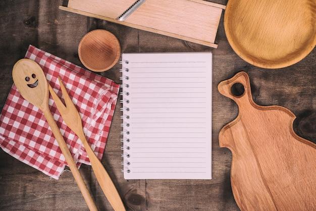 Leeg wit notitieboekje in een lijn