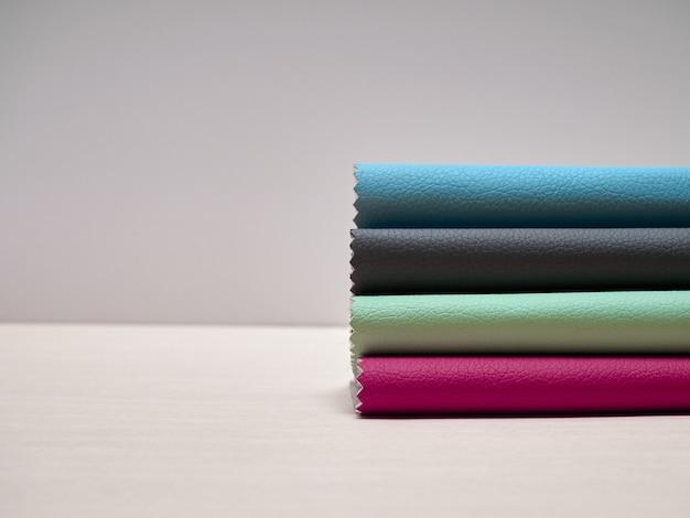 Leerstalen in diverse kleuren.